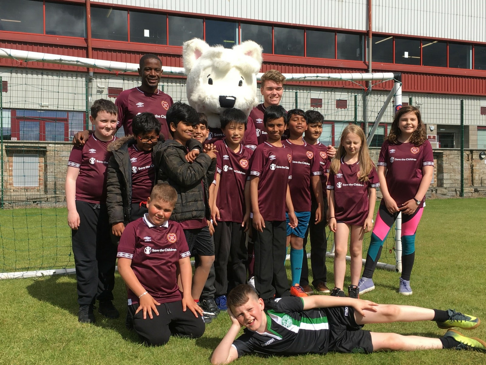 » T.E.A.M Project – Amazing surprise for the launch of Hearts' new kit!